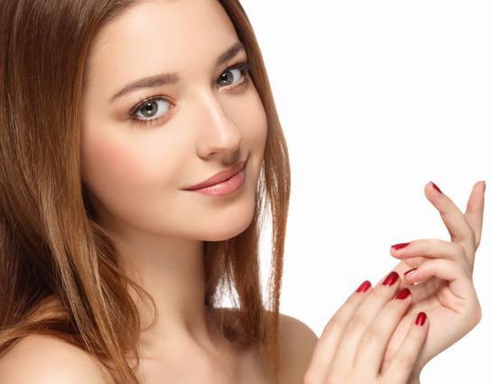 4 συνήθειες που έχουν οι γυναίκες με τέλειο δέρμα