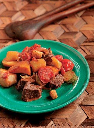 Καρμπονάρα Κριολία - Mοσχάρι με λαχανικά & φρούτα