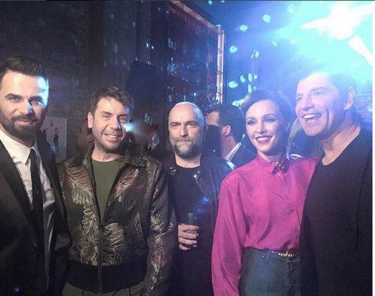 X Factor: Η πρώτη ανεπίσημη φωτογραφία των 4 κριτών και του παρουσιαστή [photo]