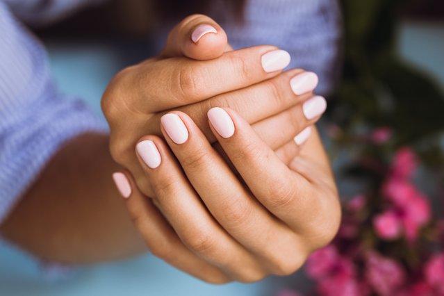 Αυτά είναι τα 3 κυρίαρχα σχήματα στα νύχια μας τη νέα σεζόν