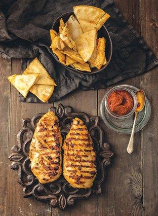 Πικάντικο κοτόπουλο με εστραγκόν και γιαούρτι