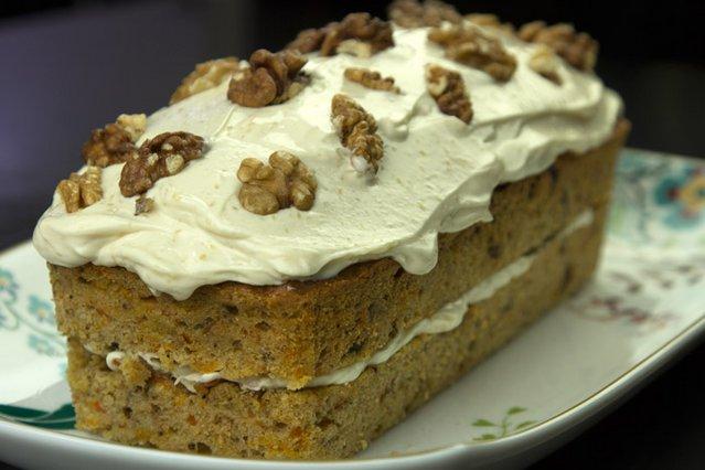 Αυθεντικό κάροτ κέικ με φρόστινγ κρέμας τυριού αλ Καρούζο