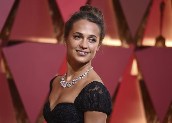 <p><span style= font-size:11px >Alicia Vikander (Photo by Richard Shotwell/Invision/AP)</span></p>
