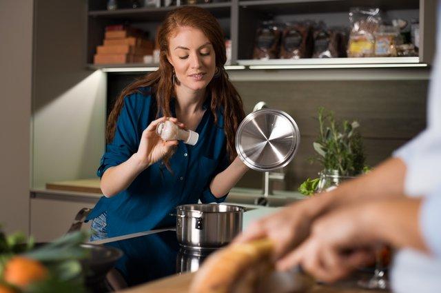 Μαγειρική χωρίς αλάτι: Tips για να γίνει το ανάλατο φαγητό νόστιμο!