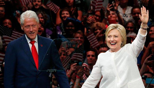 <p>Bill Clinton & Hillary Clinton (AP Photo/Julio Cortez)</p>
