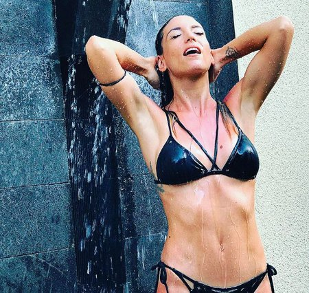 Η Αθηνά Οικονομάκου με καυτό brazilian «έριξε» πάλι το Instagram [photo]