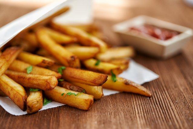 Το μυστικό συστατικό για τέλειες τηγανητές πατάτες σαν εστιατορίου