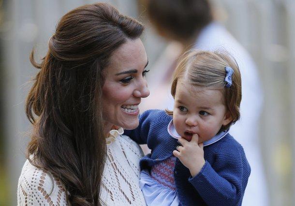 Πριγκίπισσα Σάρλοτ: Η νέα φωτογραφία με αφορμή τα γενέθλιά της [photo]