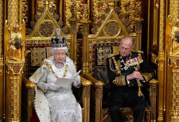 Μπάκινχαμ: Αποσύρεται από τα καθήκοντά του ο πρίγκιπας Φίλιππος