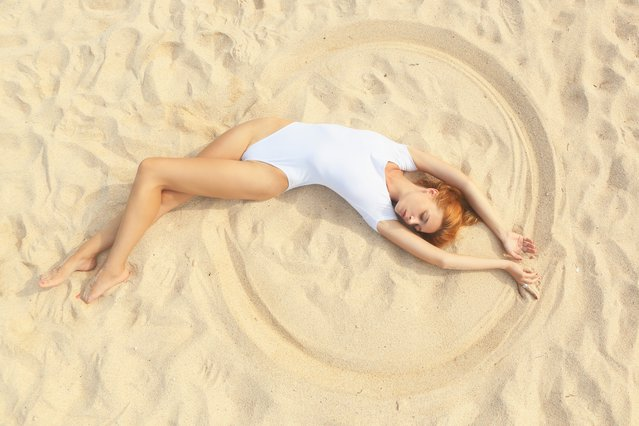 Τέλειο κορμί στην παραλία με τρεις κινήσεις!