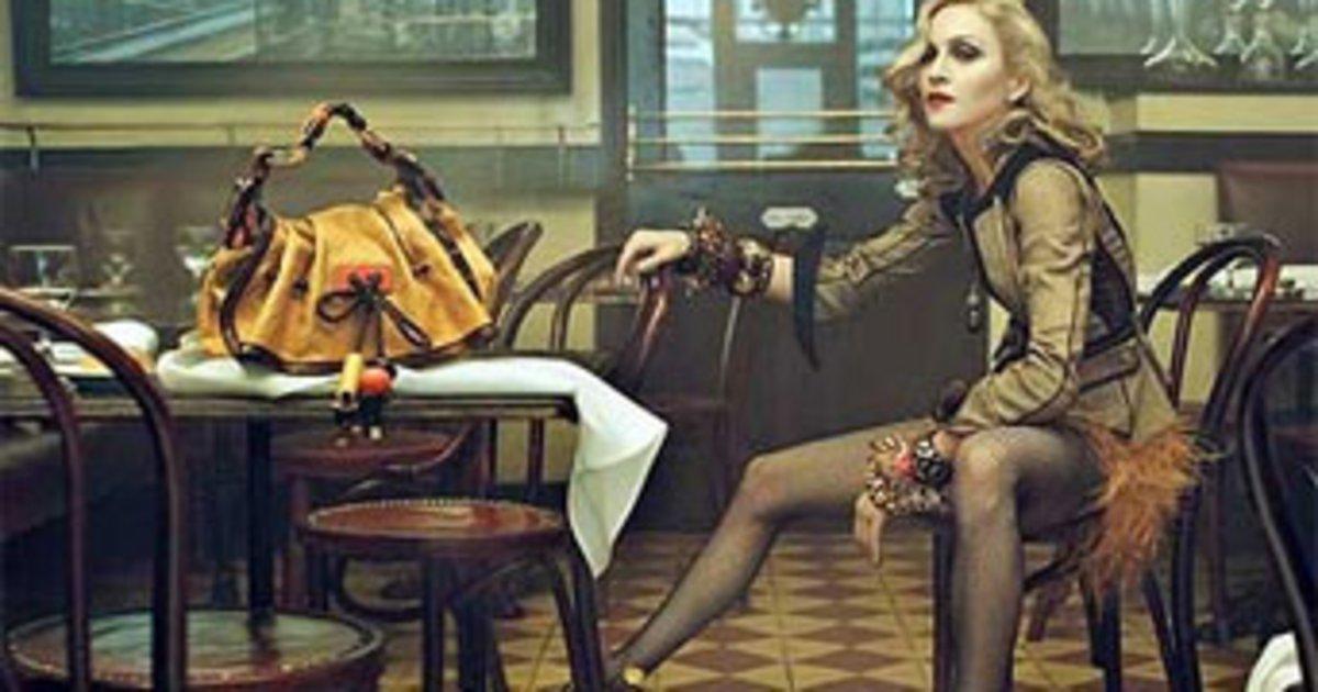 f3406ef8f5 Η Μαντόνα ποζάρει για τη Louis Vuitton.