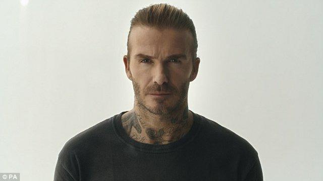 Καρέ καρέ η επίθεση από σμήνος 10.000 κουνουπιών στον David Beckham!(photos+video)