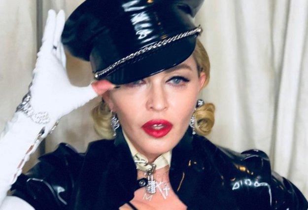 Η Madonna έριξε το instagram με καυτό υλικό!