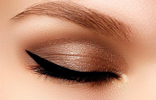 Το tip για να «αναστήσεις» το ξεραμένο σου eyeliner