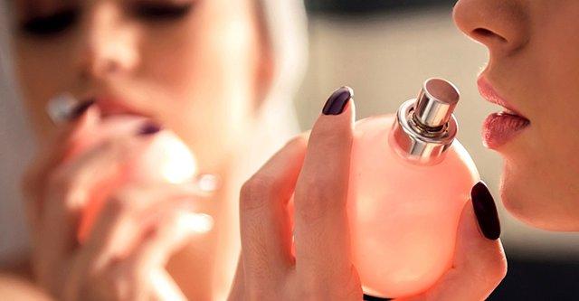 Το μοναδικό σημείο που πρέπει να ψεκάσεις για να μυρίζει το άρωμά σου μέχρι την επόμενη μέρα