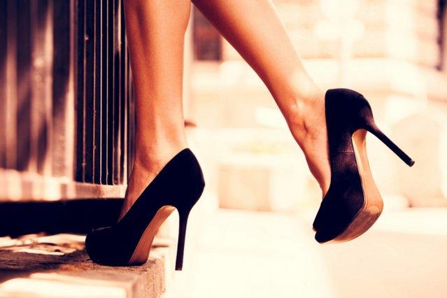 Τόσο καιρό περπατάς λάθος πάνω στις ψηλές σου γόβες