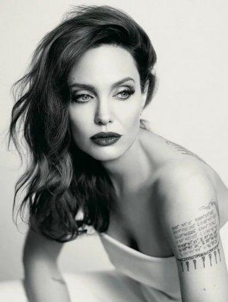 Angelina Jolie:  Λατρεύω που με βλέπω να γερνάω