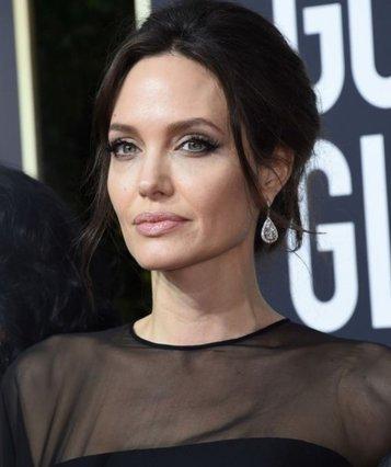 Angelina Jolie: Τι συμβαίνει τελικά με την προσωπική της ζωή;