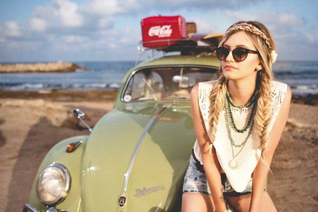 Summer time! Πώς να φτιάξεις μόνη σου τις ωραιότερες καλοκαιρινές πλεξίδες