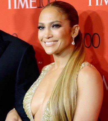 Jennifer Lopez: H εντυπωσιακή της εμφάνιση στο Time 100 Gala