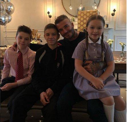 Harper Beckham: Το £5.000 δώρο στον μπαμπά David για τα γενέθλιά του [photos]