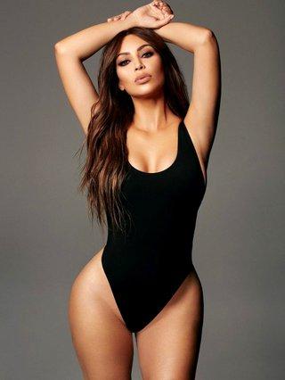 Kim Kardashian: Η φωτογραφία από το παρελθόν που πρόδωσε όλες τις πλαστικές της