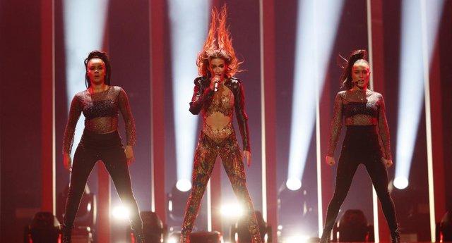 H Eλένη Φουρέιρα με το «Fuego» της τώρα και στα Ισπανικά!