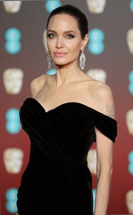Angelina Jolie: Βγήκε ραντεβού στα τυφλά και το αποτέλεσμα θα έριχνε κι εσένα σε κατάθλιψη