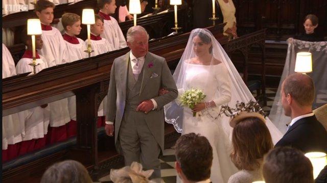 Συγκινεί ο Harry: Πώς ζήτησε από τον πατέρα του να συνοδεύσει τη Meghan στον γάμο και τι του ψιθύρισε