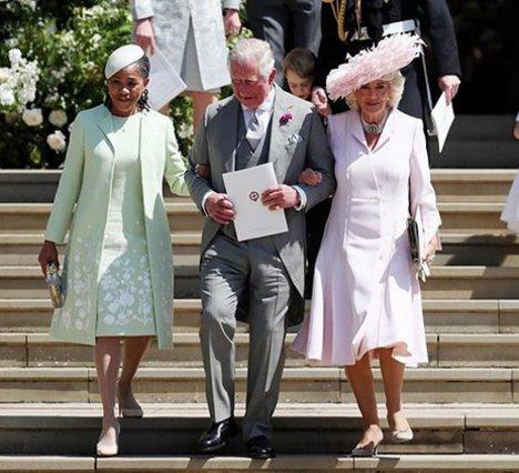 Άρχοντας  ο πρίγκιπας Κάρολος!