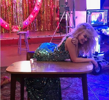 Kylie Minogue: Έγινε 50 ετών και το γιόρτασε με μια ολόγυμνη φωτογραφία