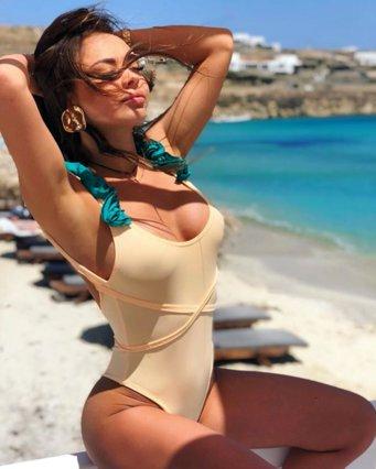 Νέες επιχειρήσεις στη Μύκονο για τη Lindsay Lohan: Πρωταγωνιστεί σε διαφήμιση του νησιού