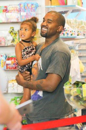 Kanye West: Πόσταρε βίντεο με τη μικρή North να τραγουδά κι έγινε viral [video]