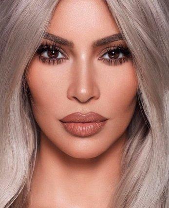 Τα νέα nude lipsticks της Kim Kardashian μόλις καταφτάνουν (και δε μπορείς να μην τα ερωτευτείς)