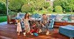 Ο Robert Downey Jr και η σύζυγός του μας ξεναγούν στο σπίτι τους [video]