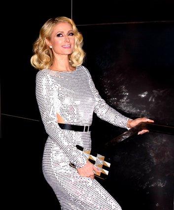 H Paris Hilton έφτασε 37 και μας δείχνει το κορμί της με μαγιό