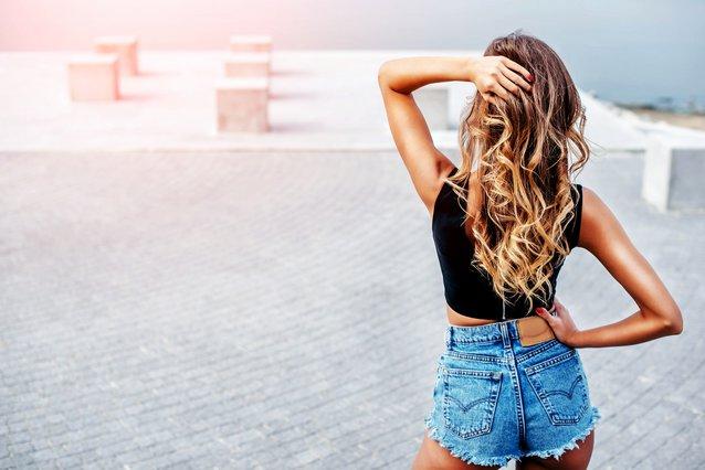 Τέλος στα λαδωμένα μαλλιά με 2 απλά tips