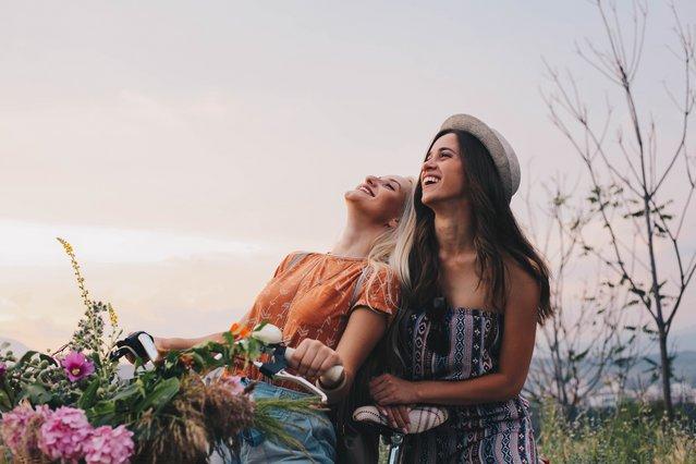 Θέλεις να γίνεις καλύτερη φίλη; 8 τρόποι που θα σε βοηθήσουν