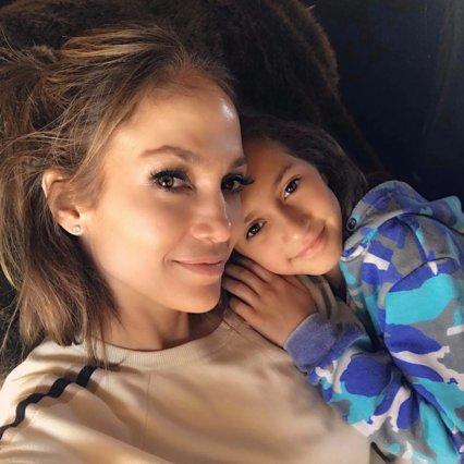 H JLo μακιγιάρει την 10 ετών κόρη της και αυτό που βλέπουμε μπροστά μας είναι σχεδόν τρομακτικό