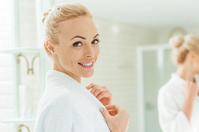 6 έξυπνα κόλπα για να κάνεις το μπάνιο σου να δείχνει μεγαλύτερο