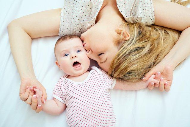 Το απόλυτο  κόλπο  για να έχεις ευτυχισμένο το μωράκι σου -Χρειάζεσαι μόνο 3-4 μπαλόνια