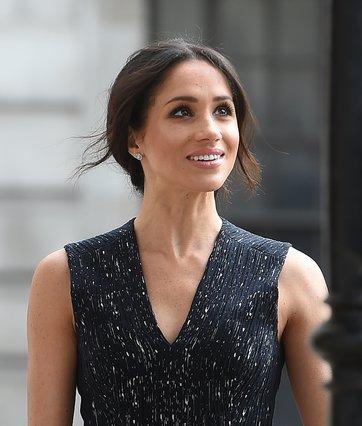 Η Μeghan έπαθε... Kate στην τελευταία της εμφάνιση με τη βασίλισσα και τον Harry [photos]