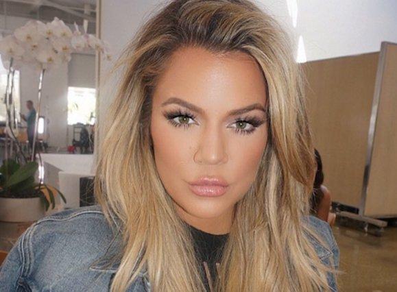 Θα ορκιζόσουν ότι το κέρινο ομοίωμα της Khloe Kardashian στο «Madame Tussauds» είναι πέρα για πέρα αληθινό!