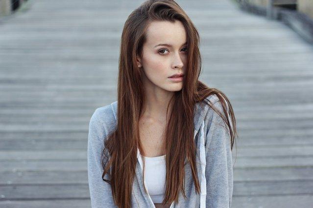 3 λάθος κινήσεις που καταστρέφουν τα μαλλιά σου το καλοκαίρι