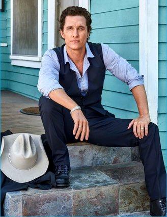 Διακοπές στην Αντίπαρο για τον Matthew McConaughey και την οικογένειά του