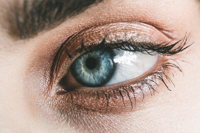 DIY: Το σπιτικό serum ματιών για... ξεκούραστες γιορτινές μέρες