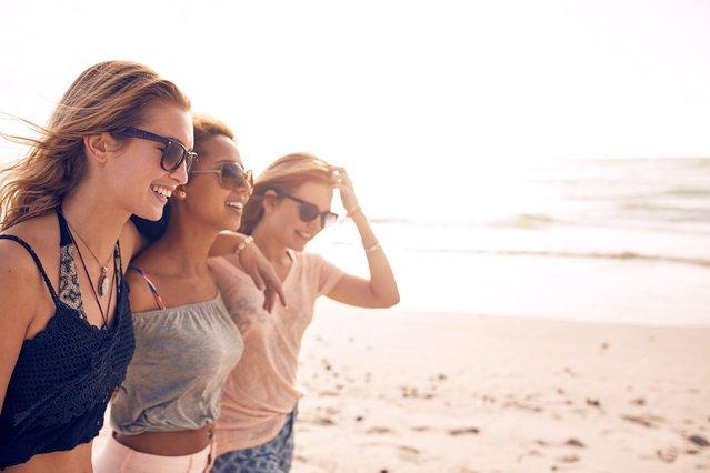 Να γιατί πρέπει να κανονίσεις διακοπές με τις φίλες σου χωρίς τύψεις για το σύντροφο σου