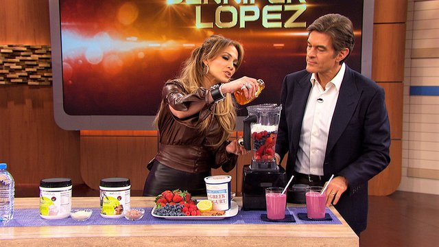 Jennifer Lopez: Πίνοντας αυτό το smoothie καθημερινά έχασε 10 ολόκληρα κιλά!