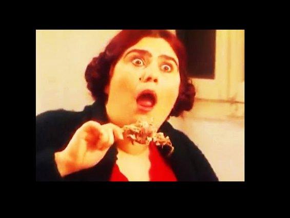 Θυμάστε τη Ρόδη από το «Καφέ της Χαράς»; Δείτε πως είναι σήμερα η πιο αστεία τηλεοπτική φιγούρα που είδαμε ποτέ! [Video]