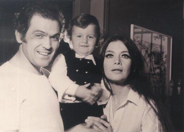 Τζένη Καρέζη: Το πασχαλινό εξώφυλλο του 1960 που πρέπει να δεις! [Σπάνιο]